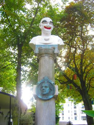 Clown statur at Tivoli