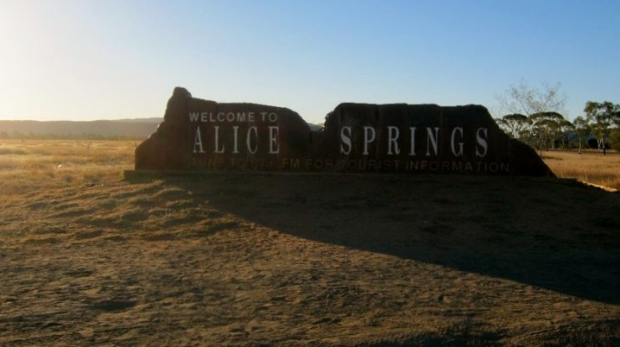 FOTTLES-TRAVELS-welcome-to-alice-springs