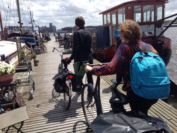 fottles-travels-amsterdam-houseboat