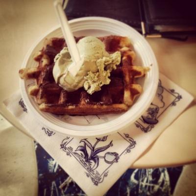 fottles-travels-amsterdam-waffles-1