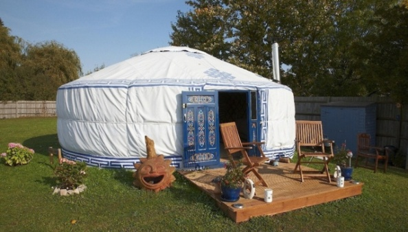 21ft Luxury Mongolian Yurt private Hot Tub with beautiful lake views